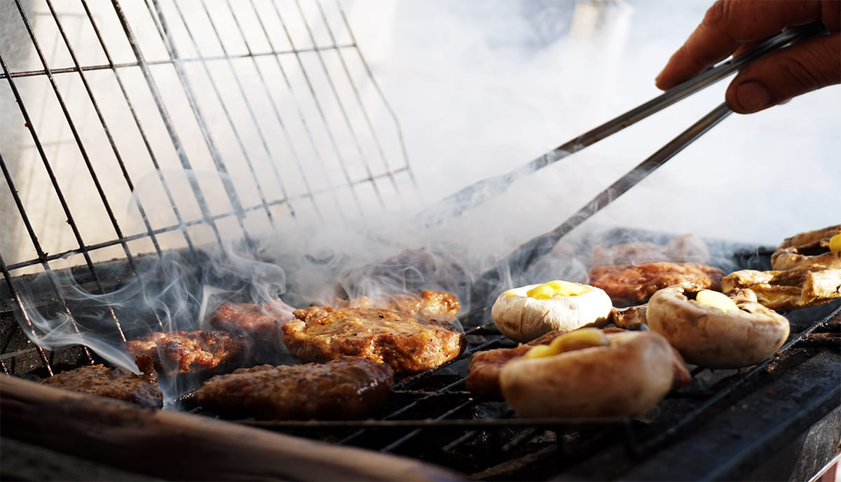Benefits of grilling with kiln-dried wood instead of charcoal